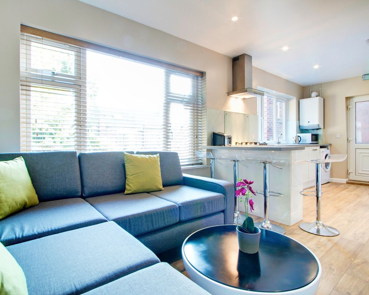Laburnum avenue is a short walk from both the University campus and ...