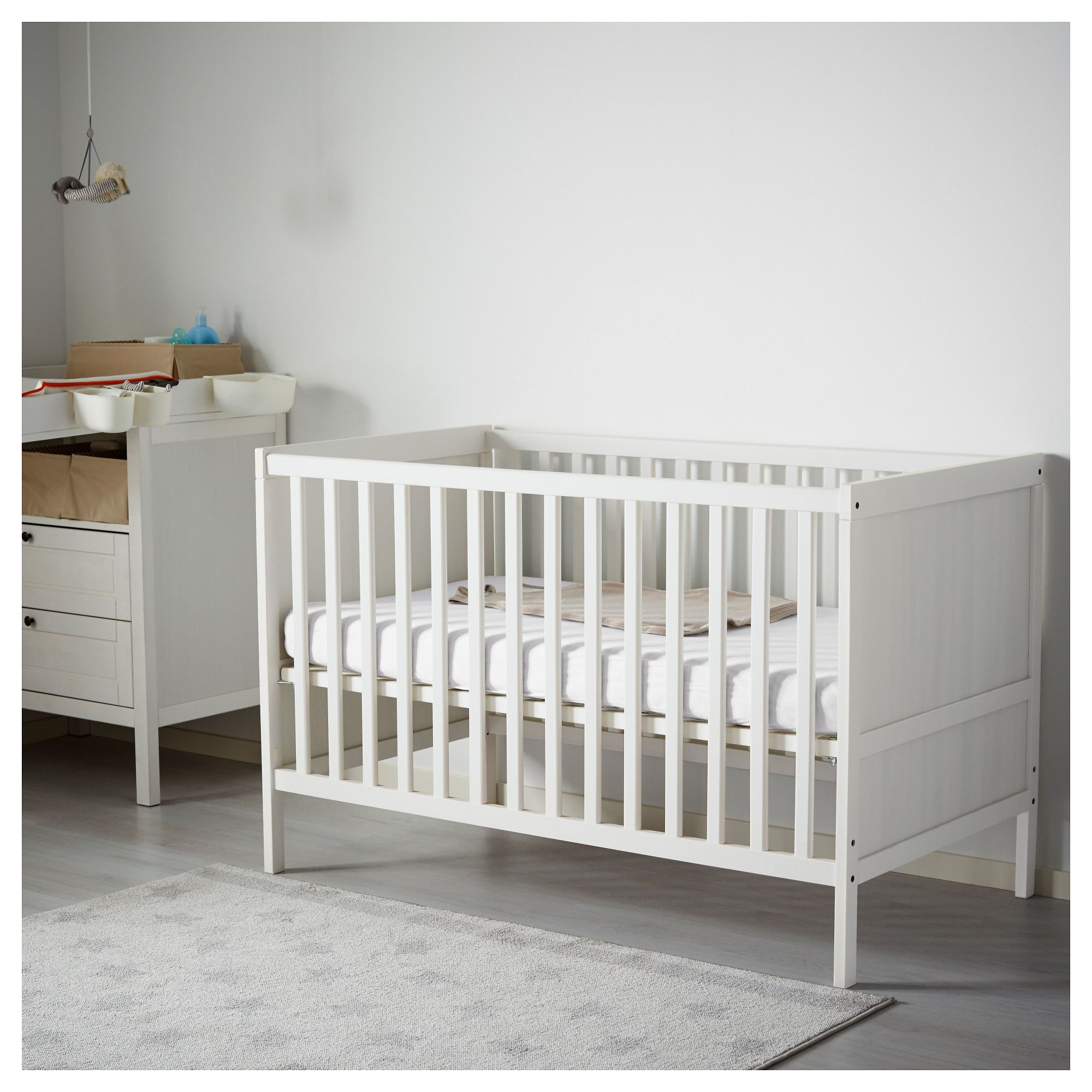 ikea sundvik crib white everything baby lit b b. Black Bedroom Furniture Sets. Home Design Ideas