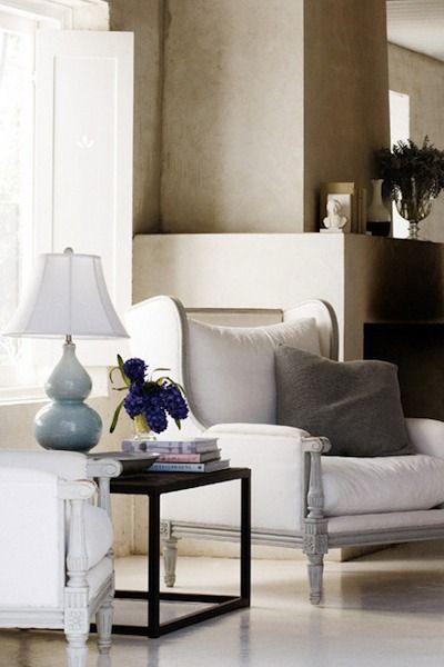 poncer d poussierer nettoyer les bois appliquer deux. Black Bedroom Furniture Sets. Home Design Ideas