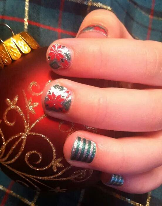 Poinsettia and Peppermint Patty Jams on little hands - jenniferlking.jamberrynails.net