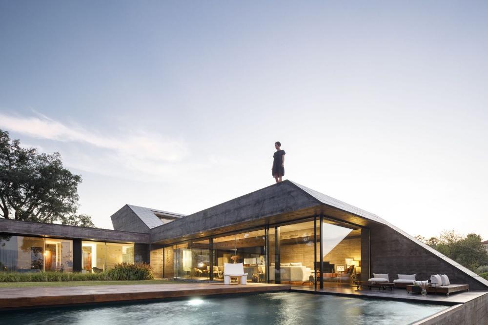 Gallery of Cork Oak House / Hugo Pereira Arquitetos - 20