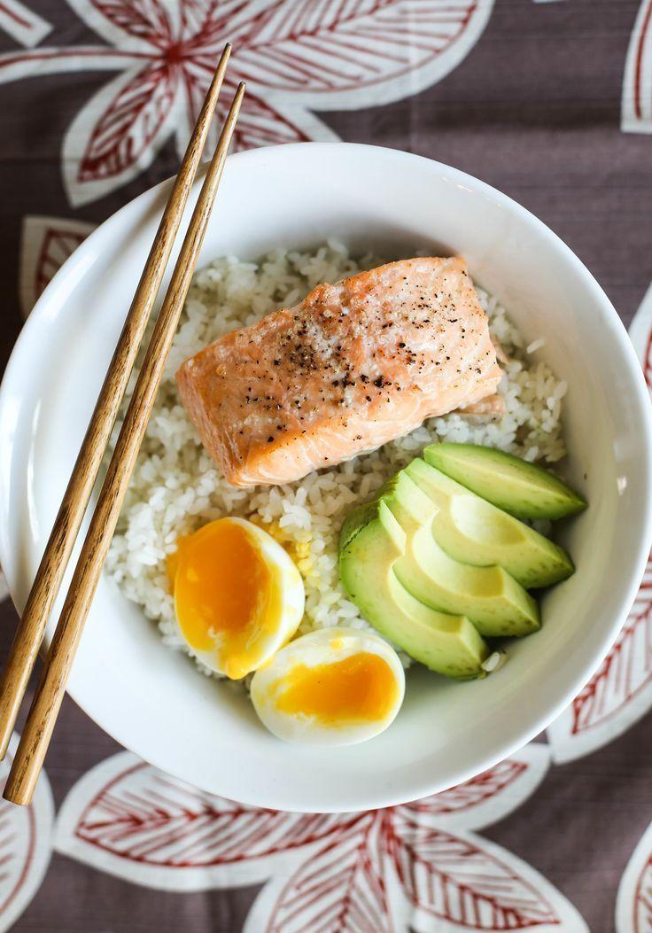 15 Minuten Lachs & Avocado Reisschüsseln -
