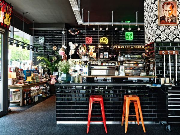 coffee shops around the world and their eye catching interior design details - Black Cafe Decor