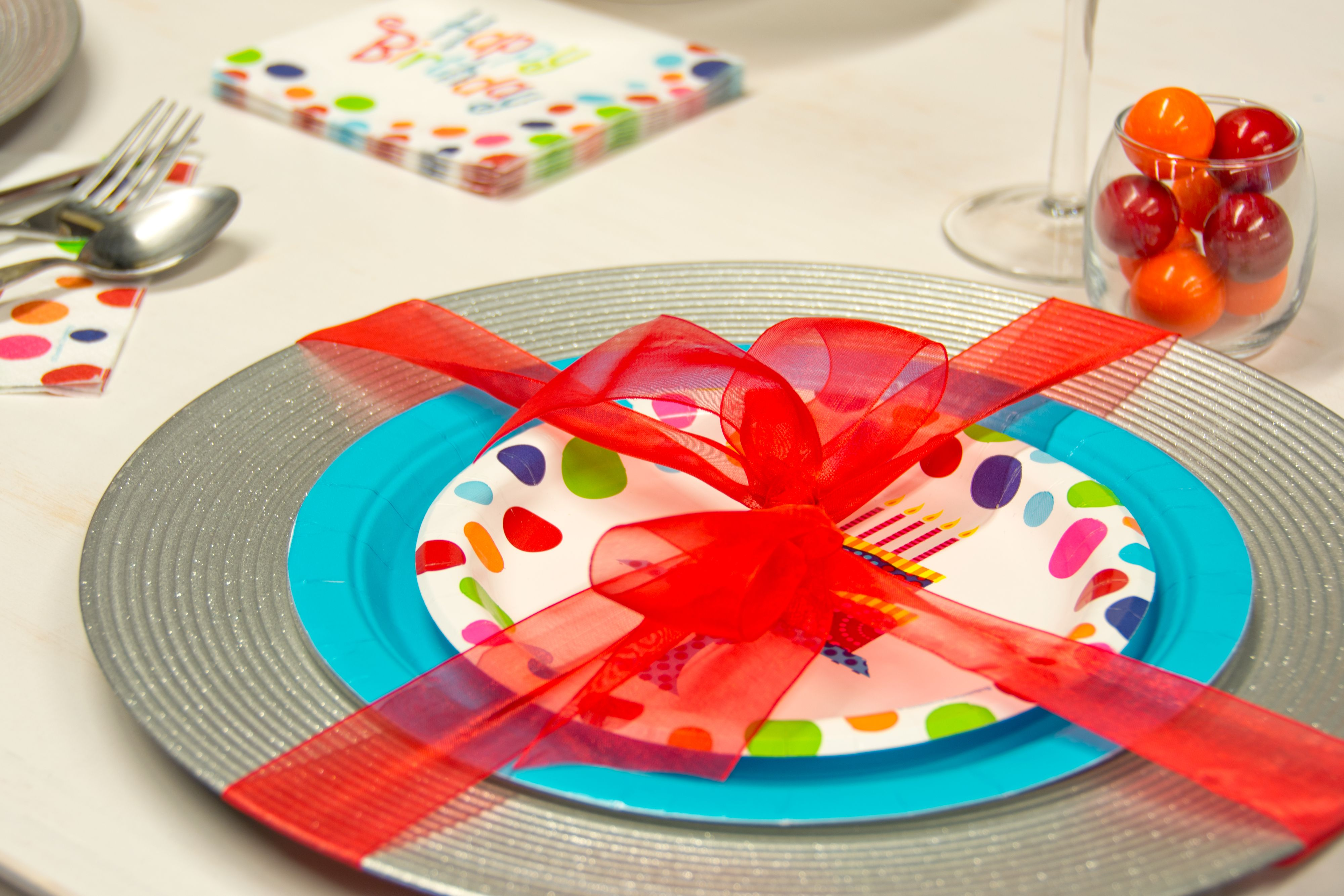 In order to accent the colors in this theme, try out some solid colored party supplies #CelebrateExpress #BirthdayParty