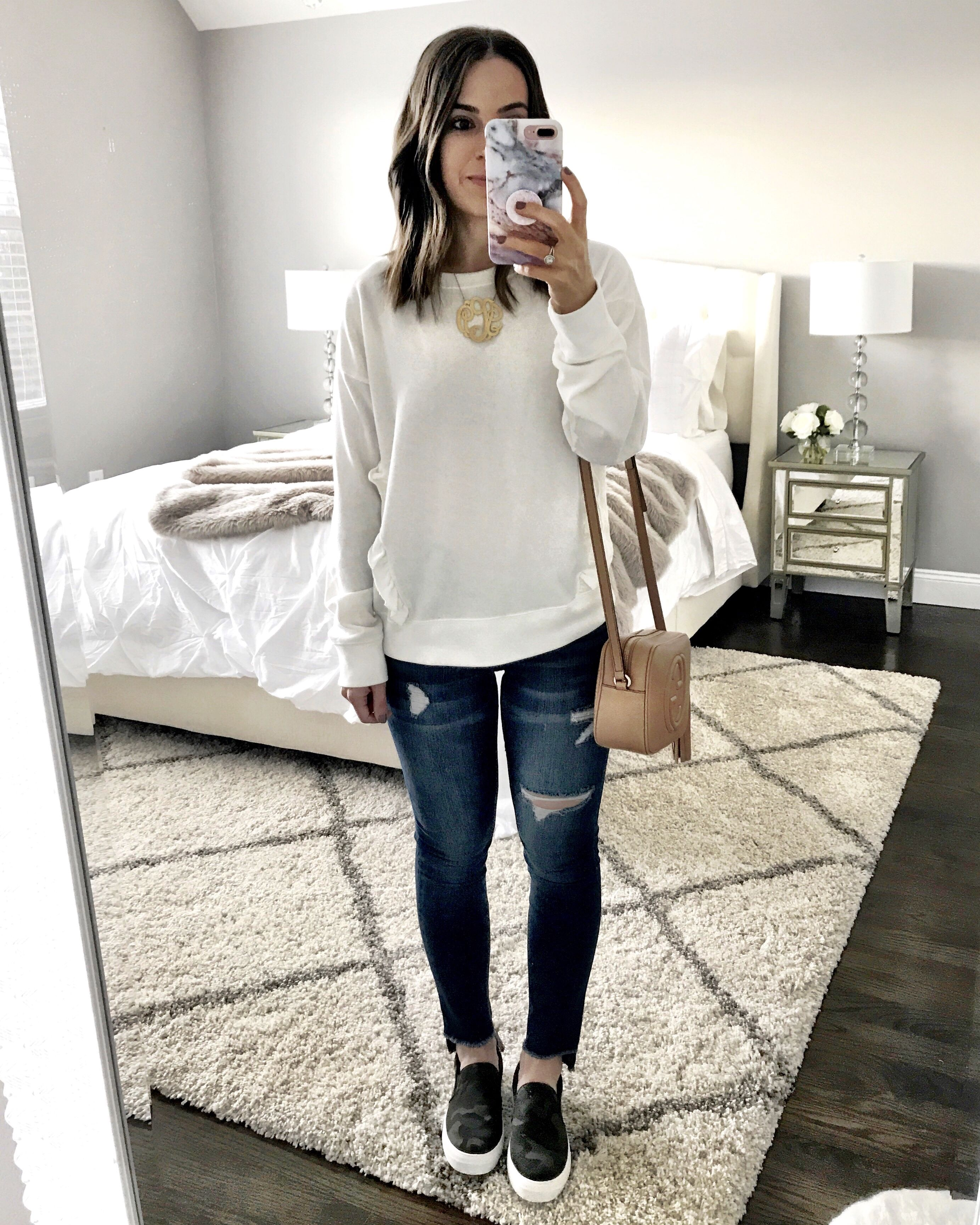 Flat Lays Come to Life No.12  MrsCasual  Pretty ripped jeans