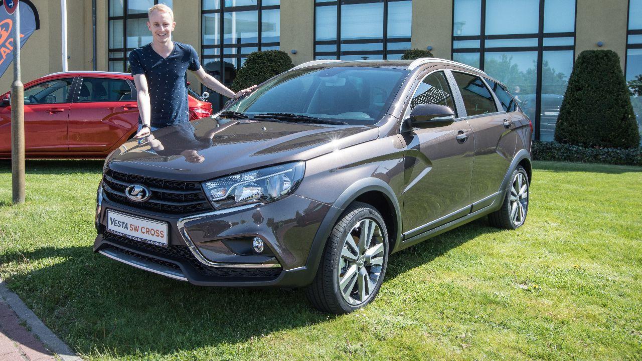 Neuer Vesta Sw Cross Wird Bei Lada Jetzt Alles Besser Autos Gelandewagen Automarke