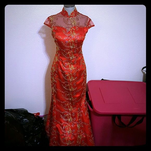 Traditional Chinese red dress - qi pao/chi pao Traditional Chinese Wedding dress Very unique, no slit, instead the dress poofs like a wedding dress Handmade, very detailed Used as a wedding dress, great condition No stains or damage Dresses