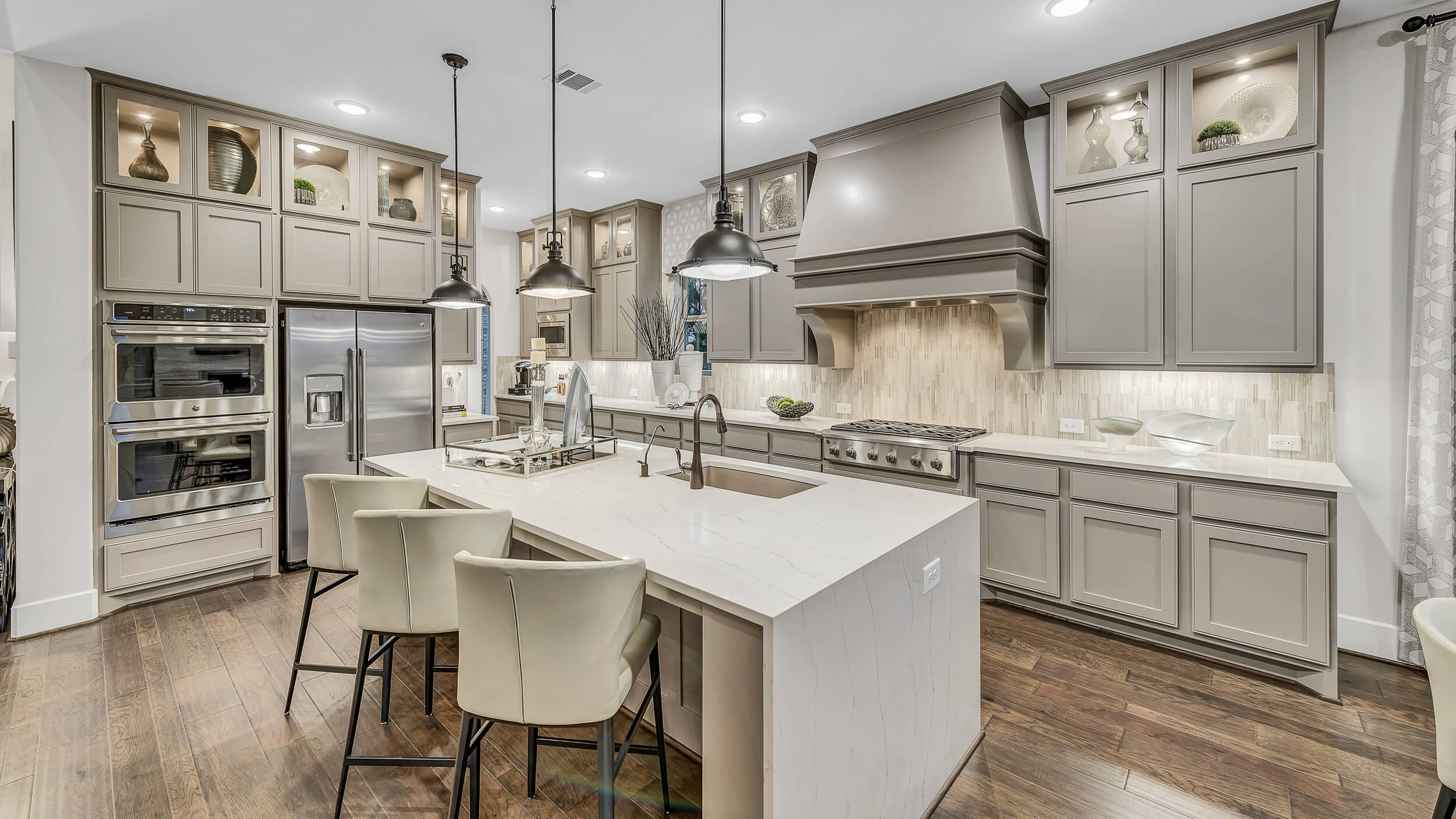 Comfort And Innovative Design In Mind A Signature Feature Of Darling Homes Is The Incredible Worke Gourmet Kitchens Set Up