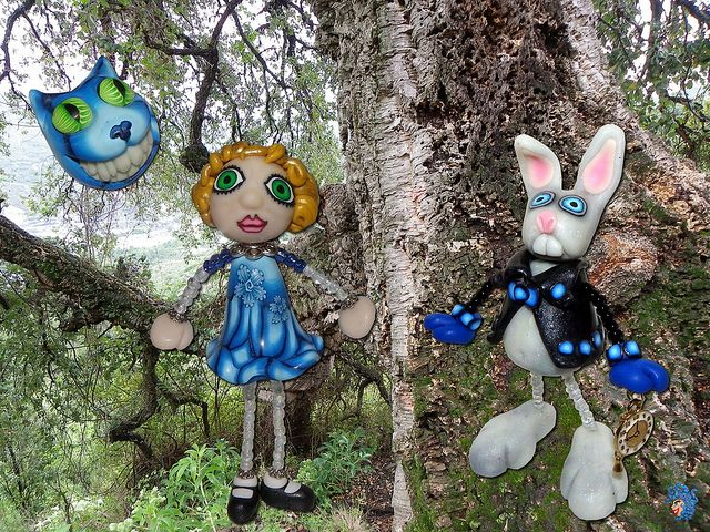 medusa alice wonderland, le chat et le lapin  Médusa, un style inimitable  http://medusaclay.com/blog/2012/02/alice-in-wonderland/