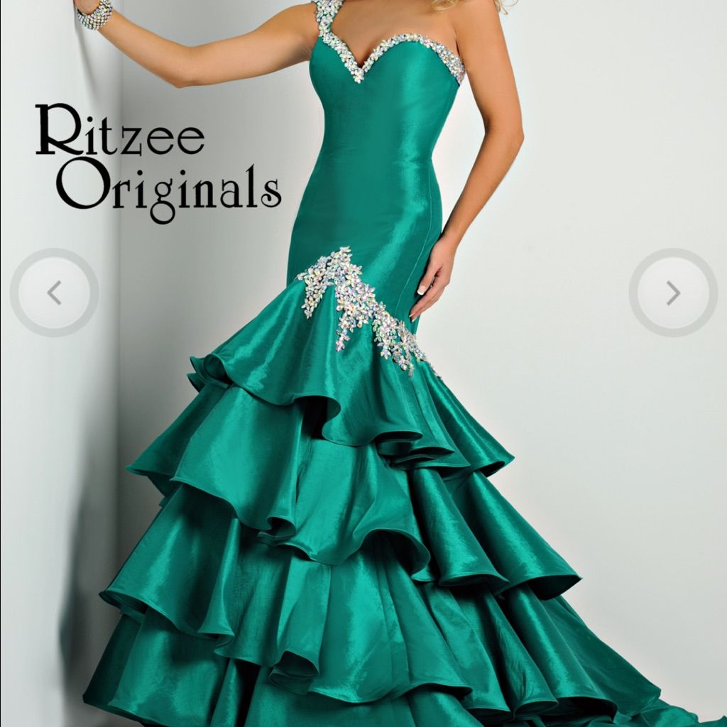 Ritzee original emerald green prom gown size emeralds and products
