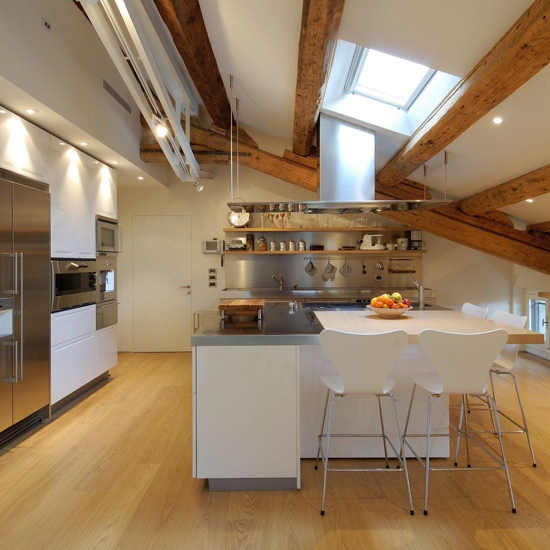 Illuminazione Sottotetto In Legno illuminazione per soffitti in legno con soffitto legno