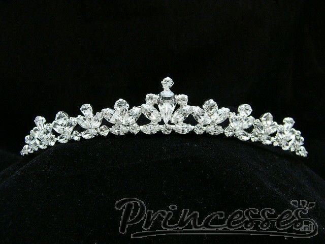 #tiara om je sweet sixteen look mee af te maken!  www.princesses.nl