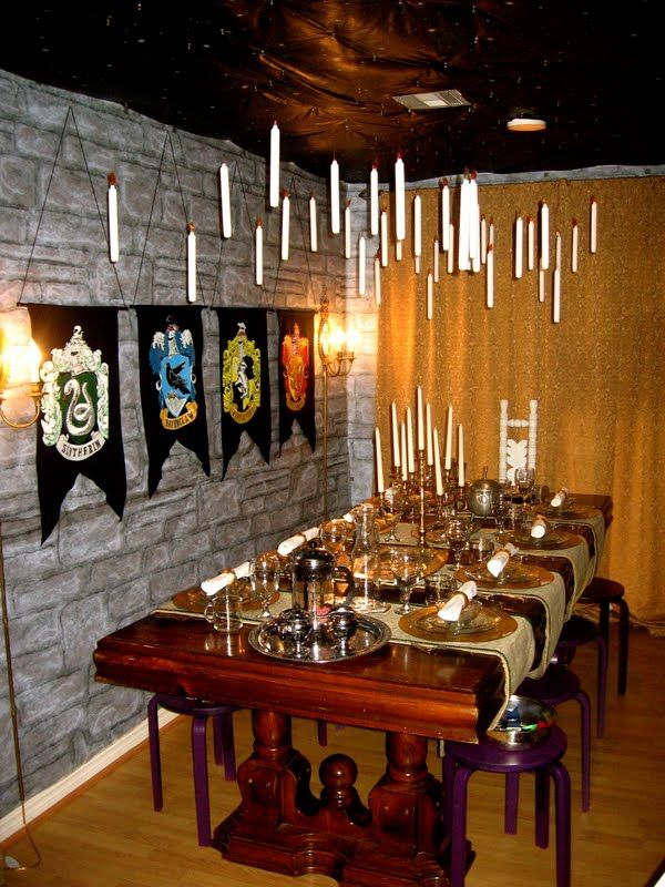 The best Harry Potter dinner party set up Iu0027ve seen! She turned her whole house into Hogwarts! & Creating a Hogwartu0027s scene! Great idea @Lindsay Dillon Miller ...