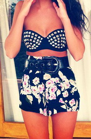 I really want to wear this, i think i can since it would cover all my problem areas lol