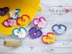Cute as a button Stiefmütterchen kostenlose Häkelanleitung #crochethooks