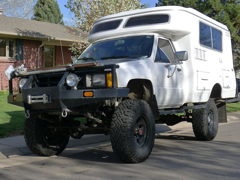 The Perfect Chinook 4 4 Diesel Toyota Camper Truck Campers For Sale Toyota Chinook