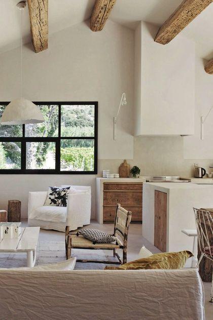 une belle hauteur sous plafond et des poutres apparentes le r ve space pinterest living. Black Bedroom Furniture Sets. Home Design Ideas