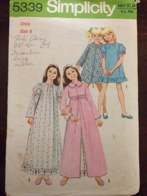 Simplicity 5339, Child and Girls Robe and Nightgown in two lengths, Size 6 (25), 1973