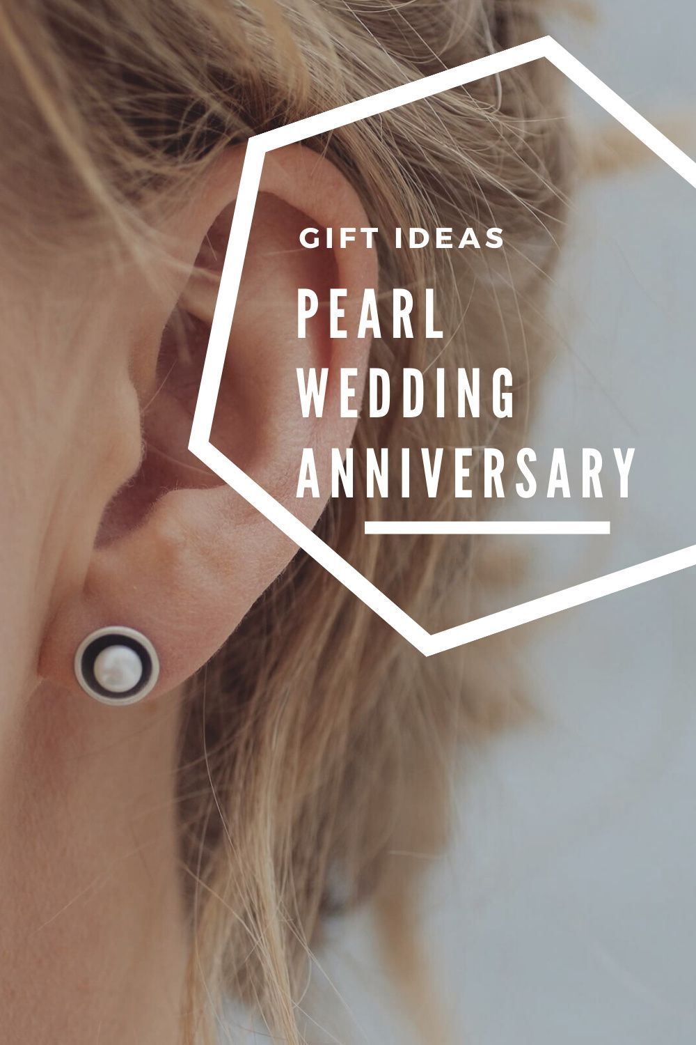 Gift ideas for Pearl Wedding Anniversary in 2020 30th