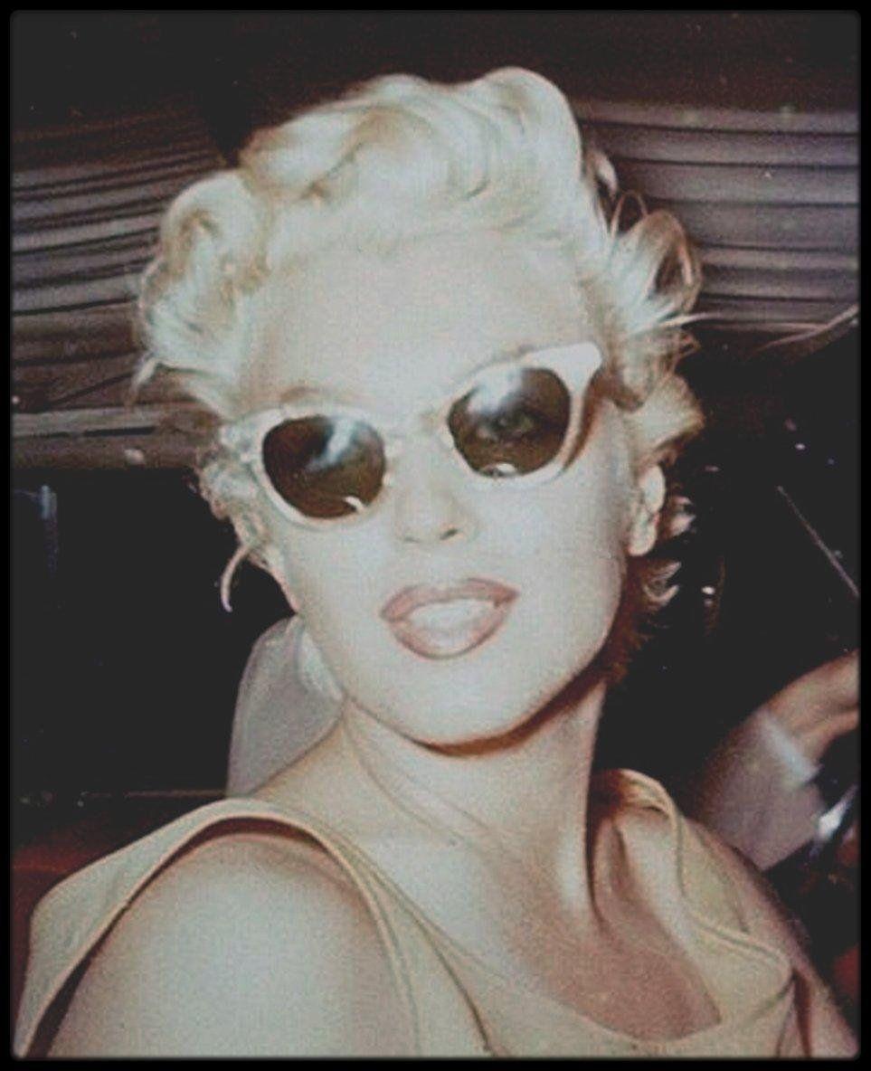 """Photo of Bild – 1955 / Ziemlich aufrichtige Marilyn-Mädchen in New York nehmen """"on the spot"""" von HASPIEL. – Marilyn-MONROE selten und offen"""