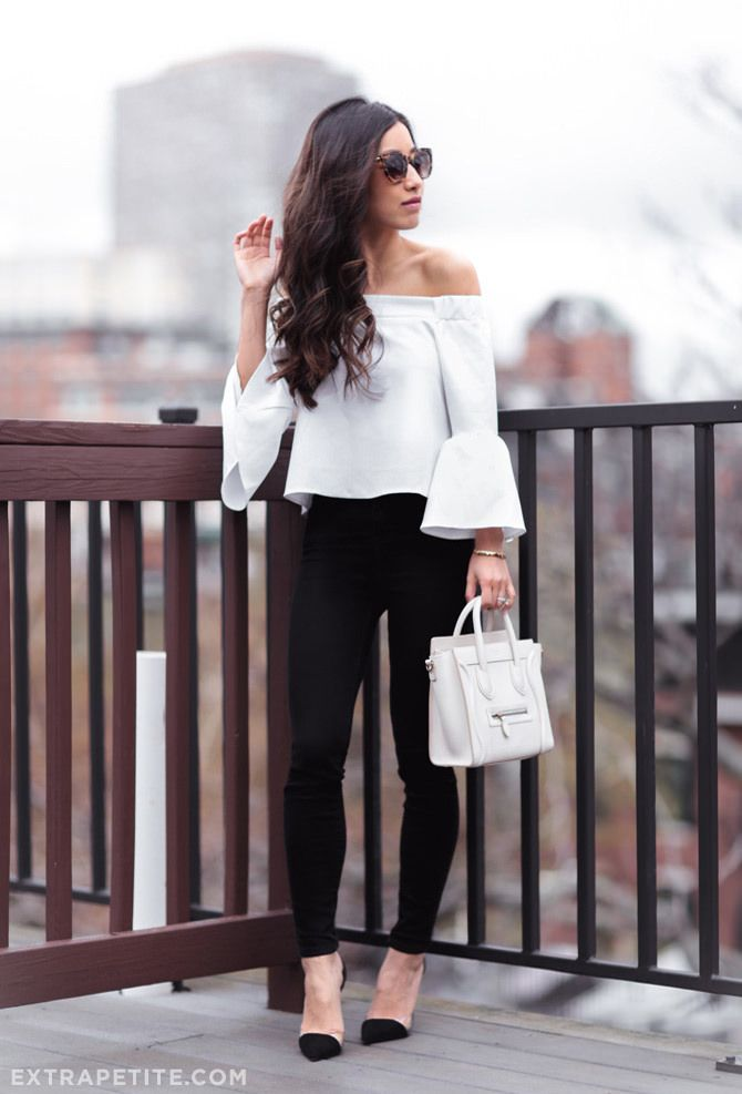 night out outfit // black skinny jeans, clear pumps, white celine ...