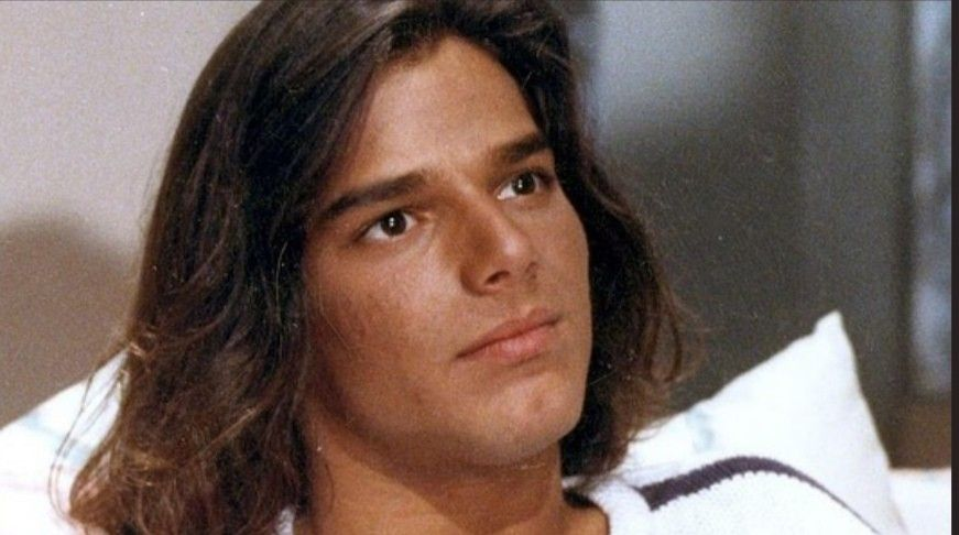 Pin By Howard Starrett On Ricky Junior Ricky Martin Long Hair Styles Martin