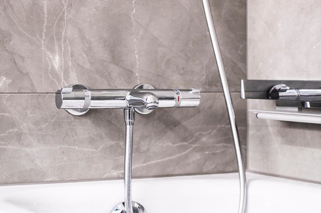 Simple Bathroom Bathroomdesign Bathroominspiration Instabathroom Instabath Instagram Modernbathroom Bathroomfurniture B With Images Door Handles