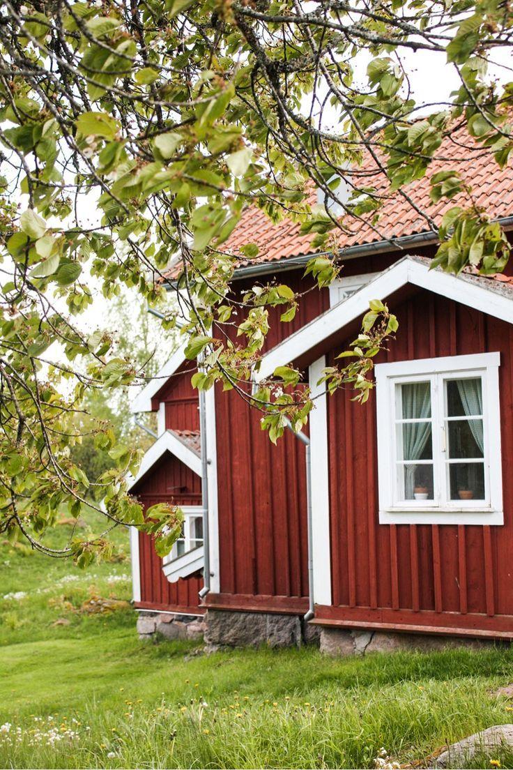 Bullerbu Und Lonneberga Ein Hauch Von Astrid Lindgren Http Www Travelworldonline De Traveller Ein Hauch Von Bull Rote Hauser Schwedisches Haus Schwedenhaus