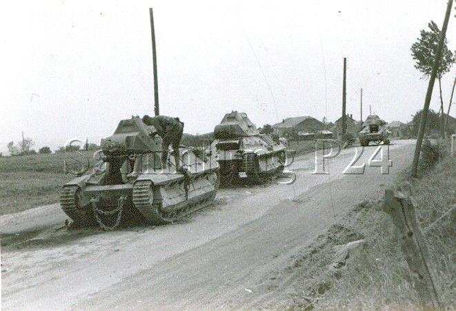 Des photos de soldats de la Panzerjägerabteilung 24 dans le territoire de Sedan, Mai 1940. 30003