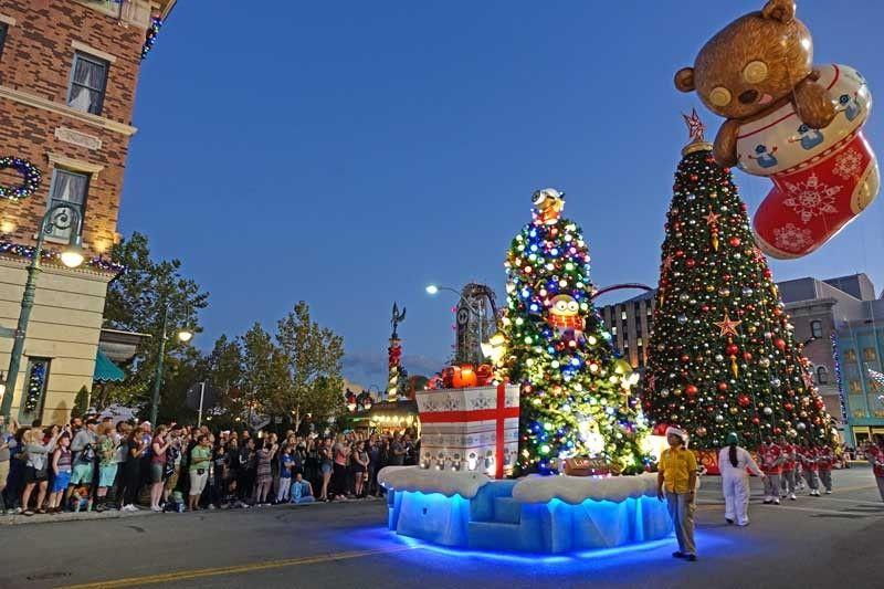 Universal Studios Christmas.Guide To Universal Orlando Holidays Christmas In The