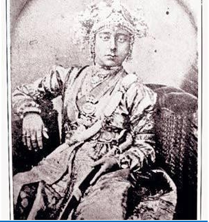 The original picture of Jhansi ki Rani Laxmi Bai. This picture was been taken by the German photographer Hoffman about 165 years ago(1) India - Quora