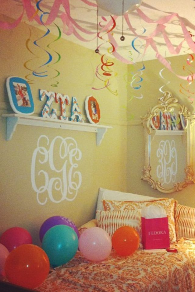 Dream dorm for friends birthday | All things college - Dorm Life ...