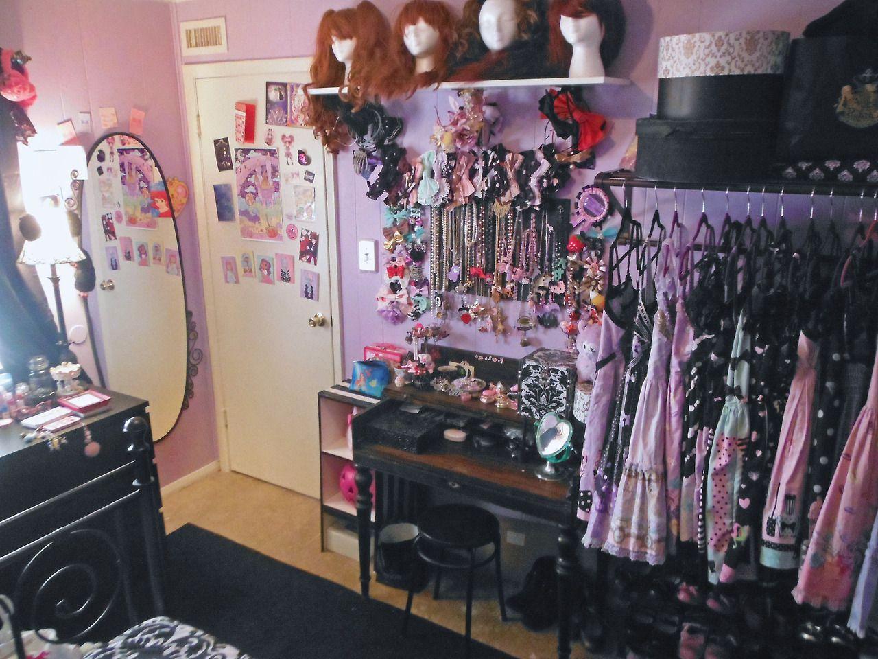 Jaynejezebelle my new room is freakin sweet if i do say for Bedroom ideas emo