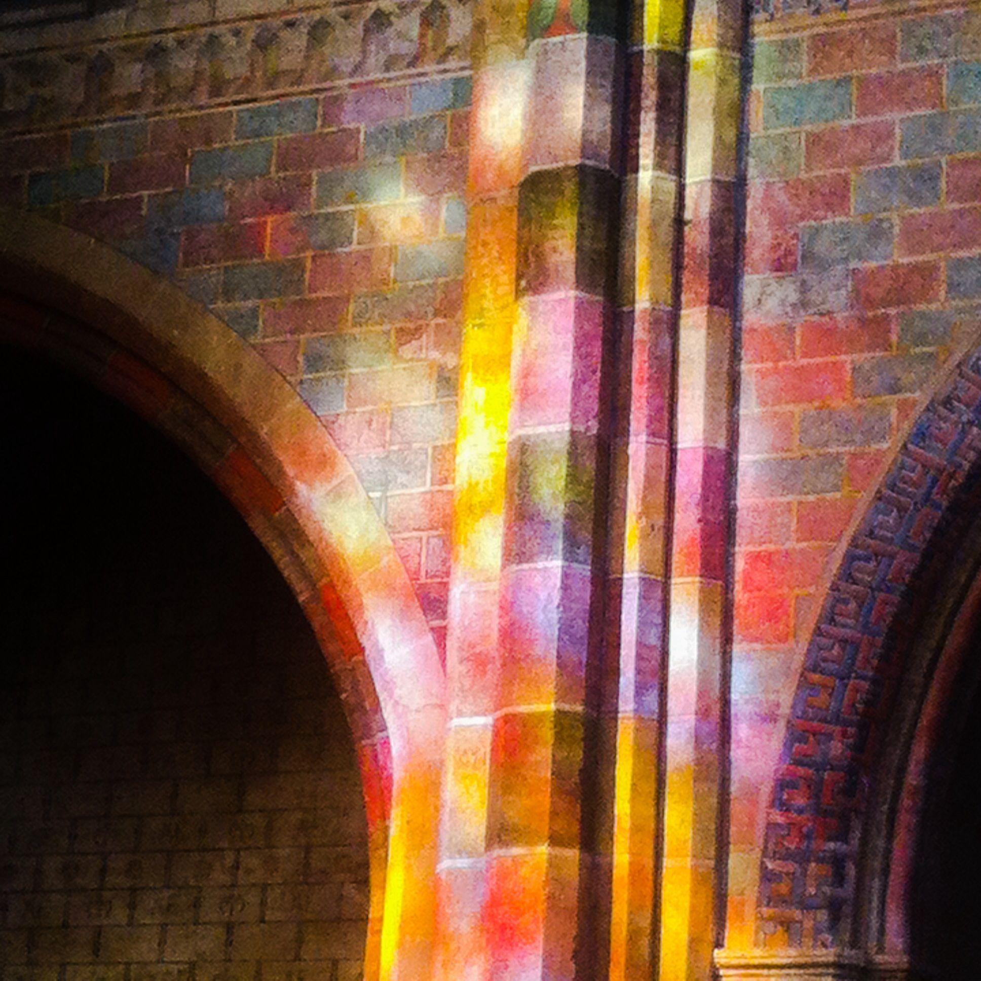 Église des jacobins.- Toulouse. Projection des vitraux