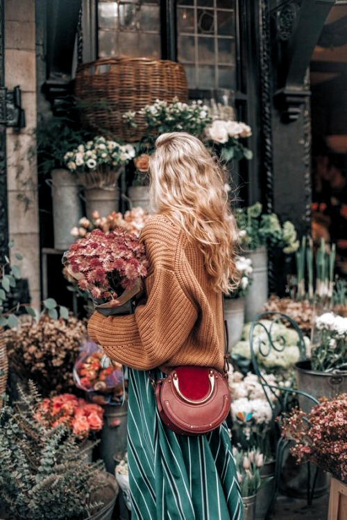 Photo of flower shopping, high fashion, color combination, … – #Color #Combination #Fas…