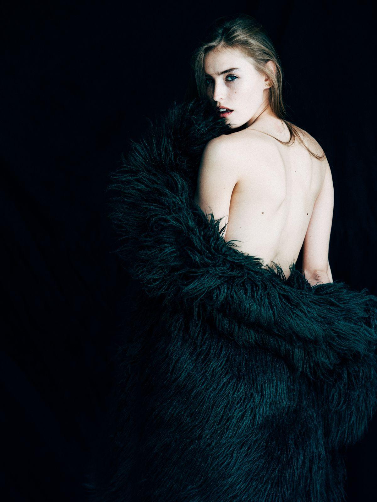 Blair Sinnott Nude Photos 85