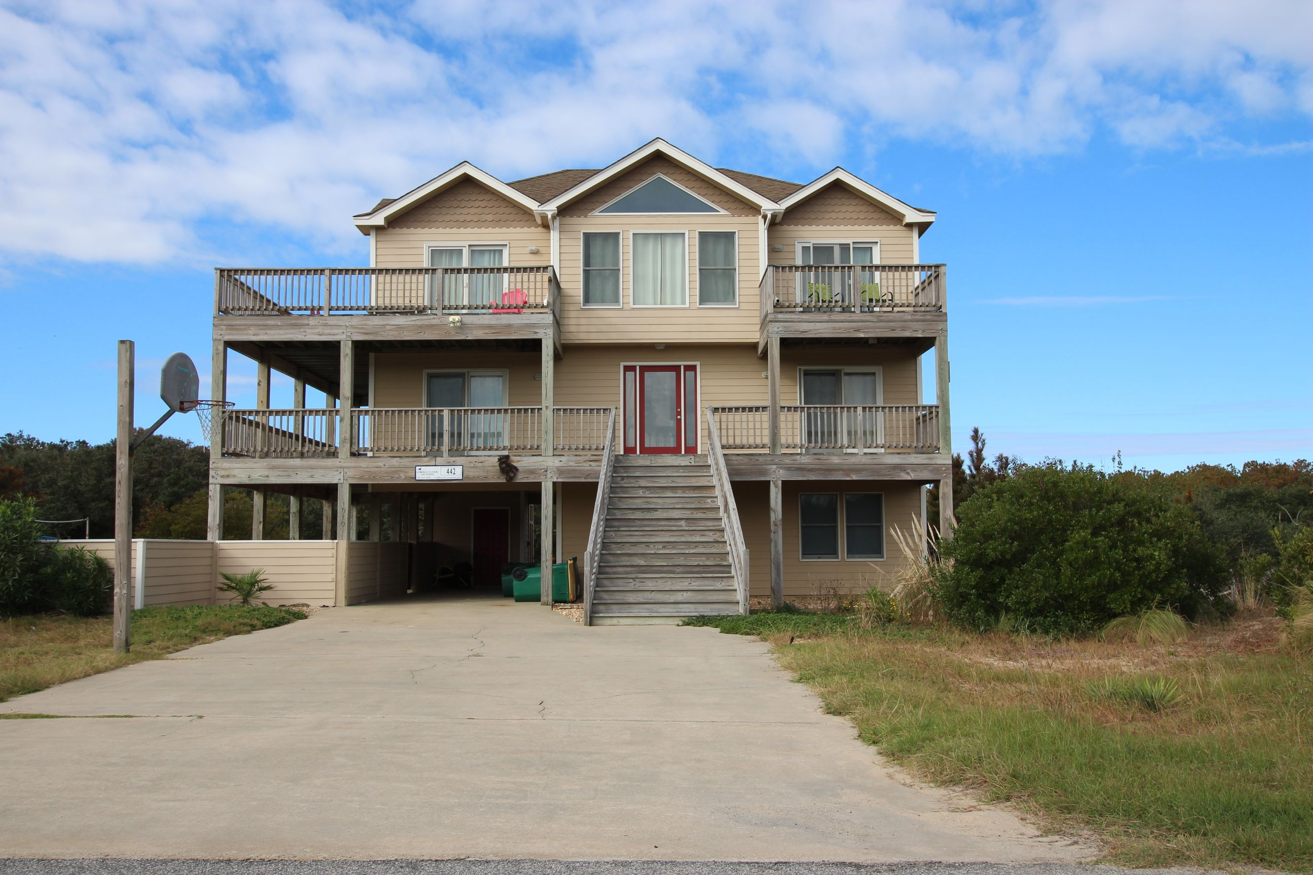 Barefoot In The Sand 7 Bedroom 5 5 Bathroom Ocean Side Private Pool And Hot Tub Pool Table Baby Eq Vacation Home Vacation Rental Nc Vacation Rentals