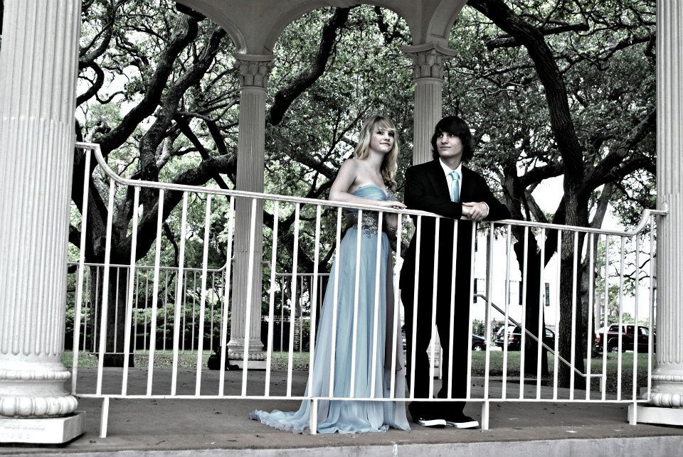 Downtown Charleston is perfect for Prom photos.