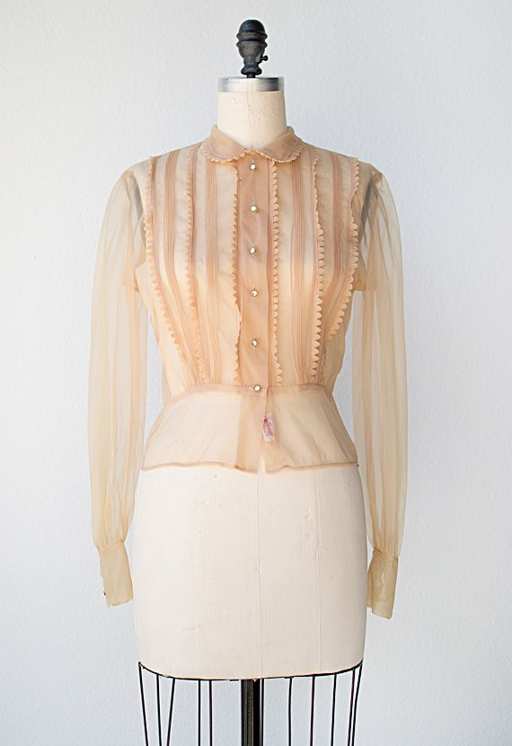 01004097b1e85 ☆ vintage 1950s blouse