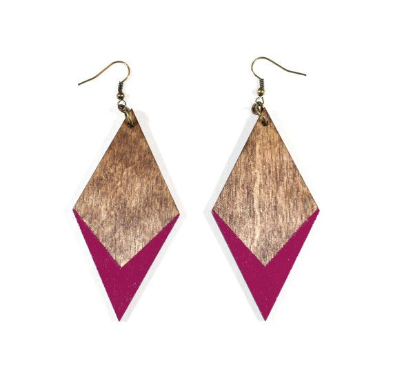 Large Diamond Dipped Earrings por vozcollective en Etsy