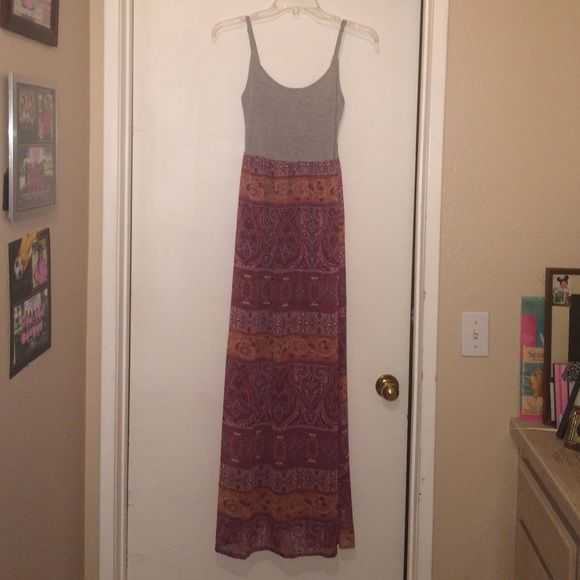 Long maxi dress One of my favorites! Great condition :) Forever 21 Dresses Maxi