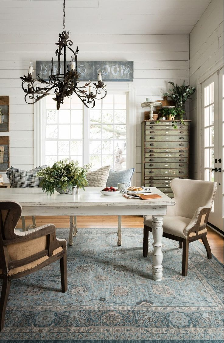 30+ stunning rugs you'll love from Magnolia Home - #Home #joannagaines #Love #Magnolia #rugs #stunning #youll #farmhousediningroom