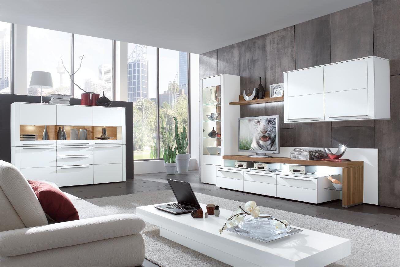 Moderne GWINNER Wohnwand Seidenmatte Weiße Lackoberflächen U0026 Furnierte  Nussbaumflächen   Vierteillig. #home #pinoftheday