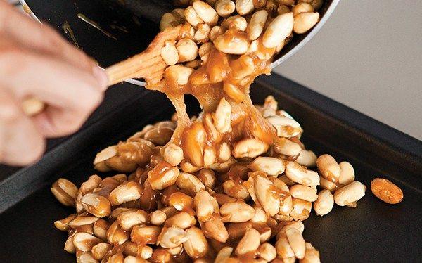 Receta para preparar deliciosas palanquetas de cacahuate   Prepara tu propias palanquetas y disfruta de su rico sabor fresco.