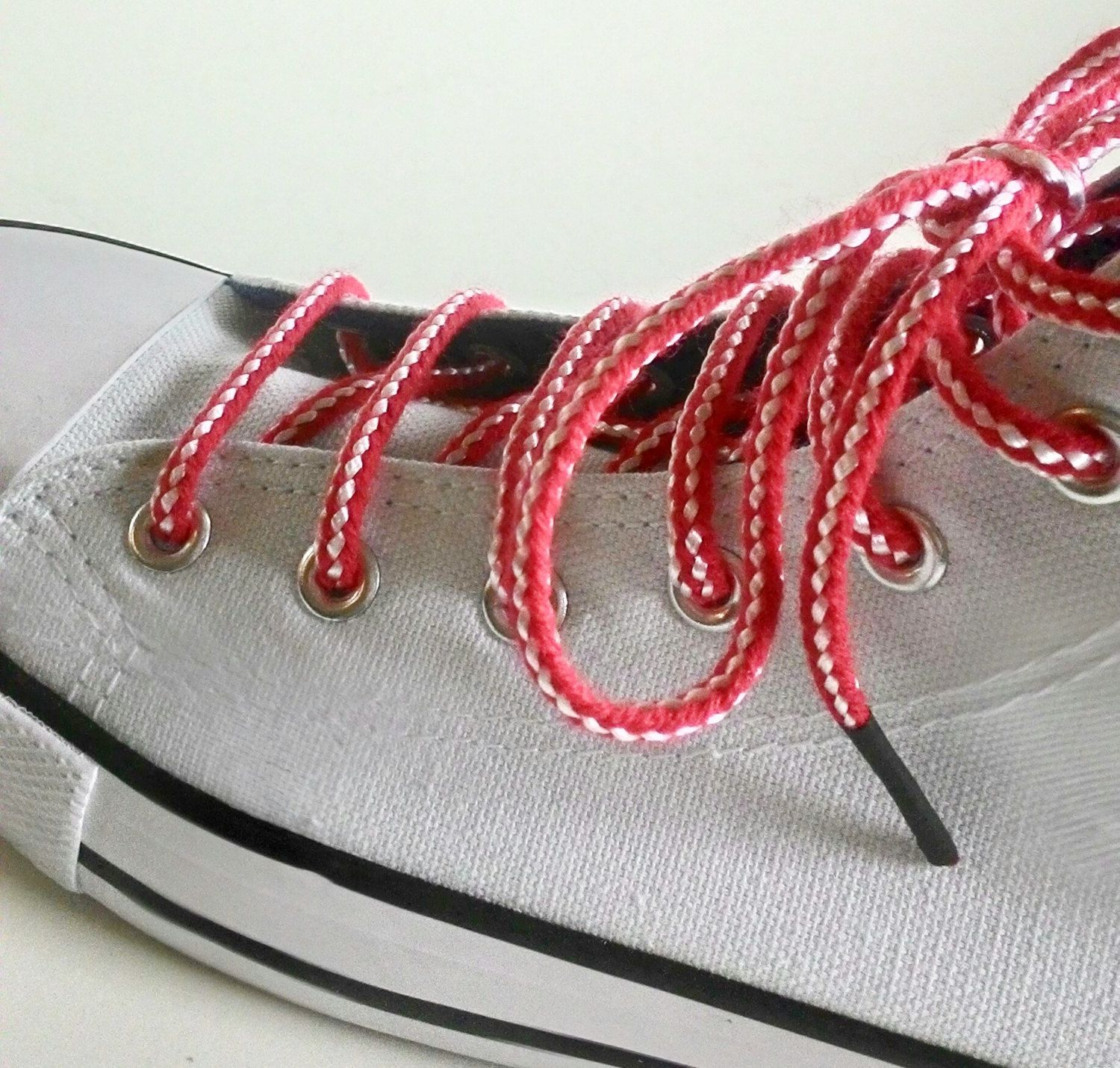 Yarn shoe laces, Red White shoelace, Traditional Bulgarian Martenitsa shoe  lace for Converese, Nike, Vans Low top / Hi top sneakers 59 inch by on Etsy