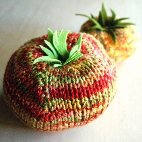 Heirloom Tomato Pincushion Pattern