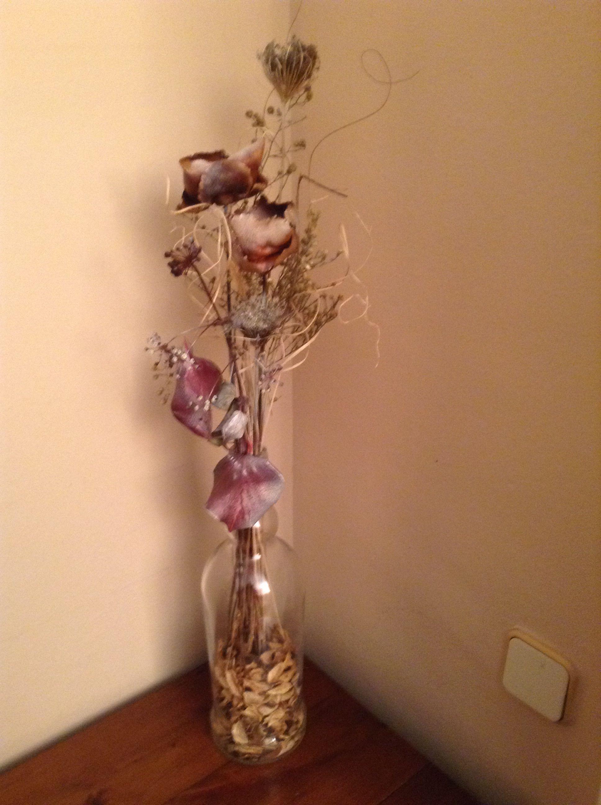 Botella De Ron Con Flores Secas Jarrones De Flores Secas - Jarrones-con-flores-secas