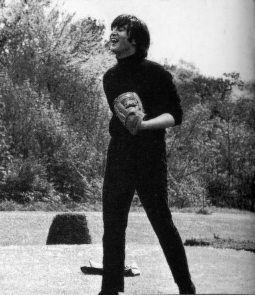 John playing baseball | John lennon beatles, John lennon