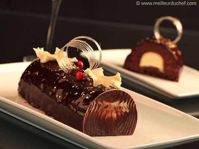 Bûche de Noël au chocolat au cœur de crème brûlée