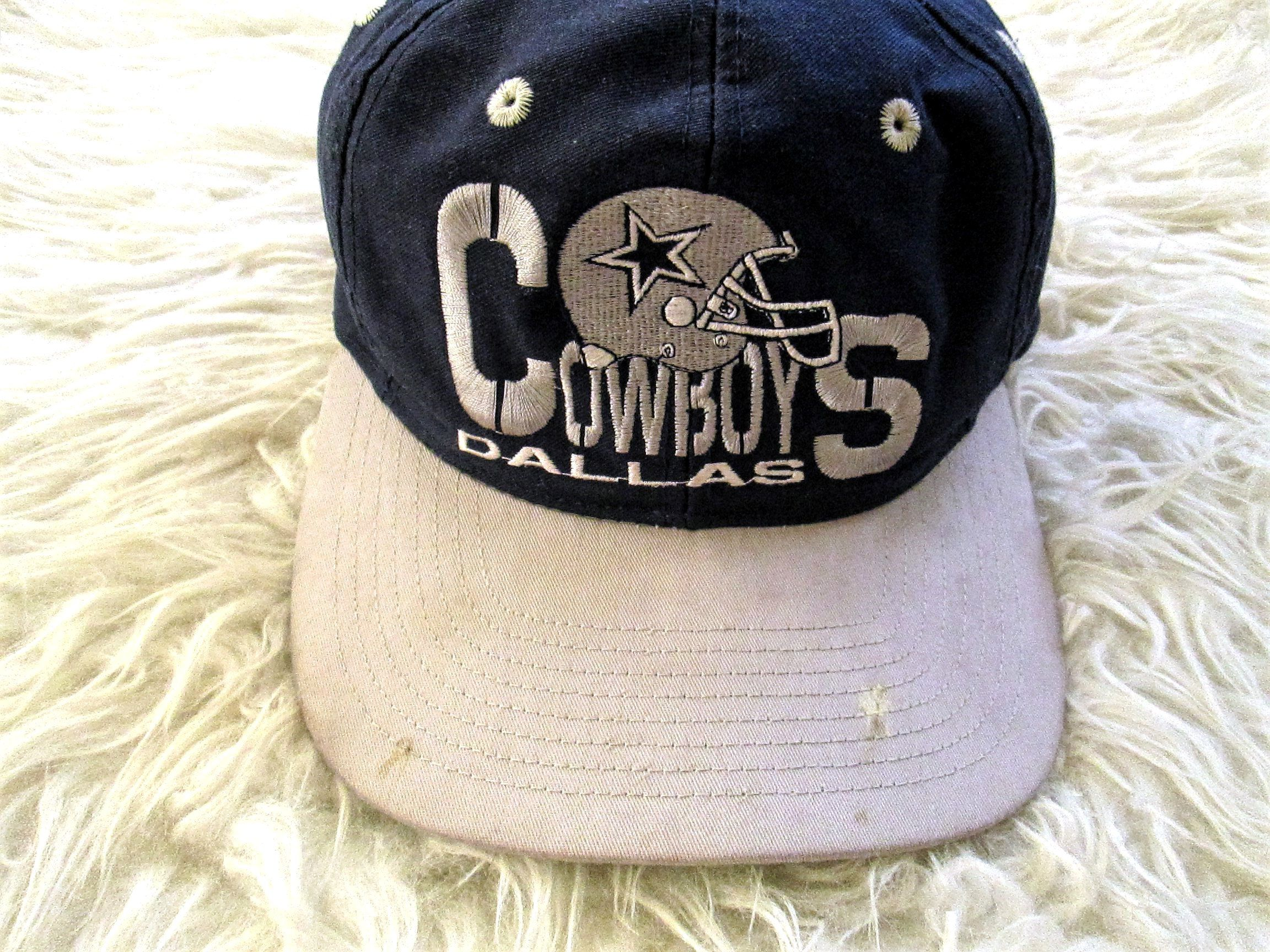 1628c5392  Vintage  90s  DALLAS  dallasCOWBOYS  Embroidered  Football  NFL  Snapback   Hat  snapbackhat  accessory  flatlay  sport  sporty  cowboys  fashion   style by ...